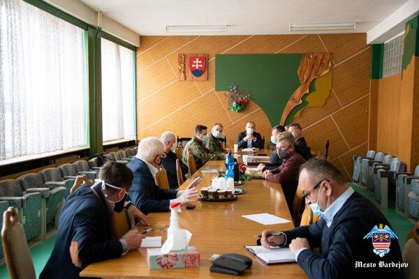 Zasadnutie bezpečnostnej rady okresu.
