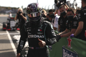 Lewis Hamilton vyhral kvalifikáciu na VC Portugalska 2020.
