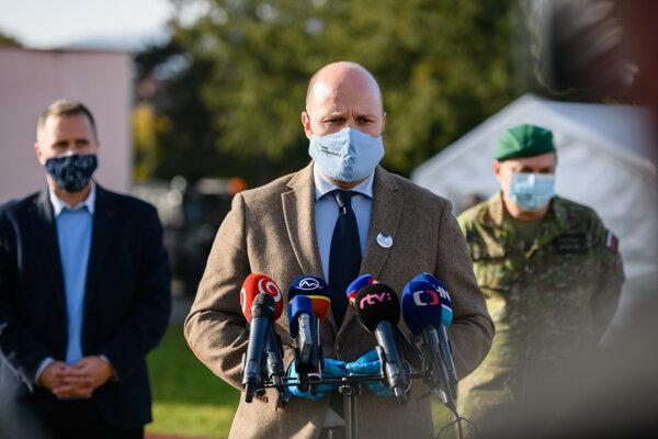 Minister obrany Jaroslav Naď počas návštevy Tvrdošína.