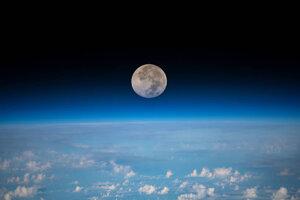 Mesiac z Medzinárodnej vesmírnej stanice.