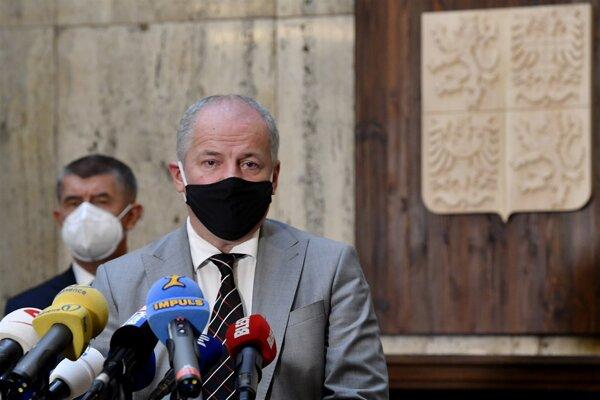 Česko má stále ministra, ktorého vo vláde nechce ani premiér