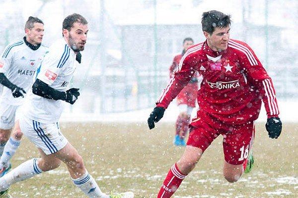Martin Boszorád (vľavo) na snímke zo zápasu s Wislou Krakov.