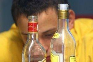 Alkoholikov je veľa, vzájomne si dokážu pomáhať.