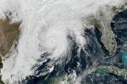Zeta dosiahla americkú pevninu v stredu v Louisiane ako hurikán druhej kategórie.