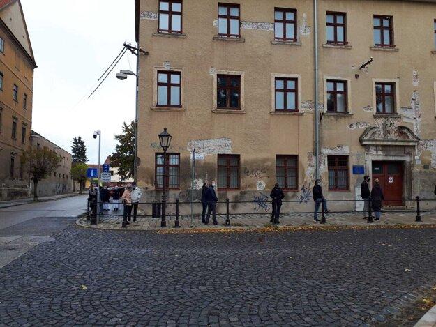 Takto to vyzerá na Hollého ulici v Trnave.