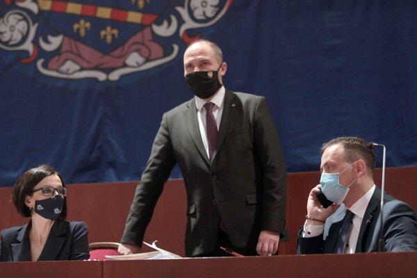 Primátor Jaroslav Polaček opäť nevyhovel poslancom.