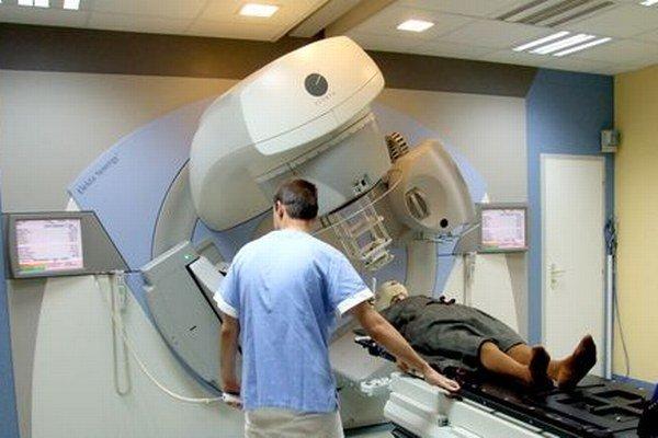 Nemocnica má jeden lineárny urýchľovač z roku 2010, druhý bude v prevádzke na budúci rok.