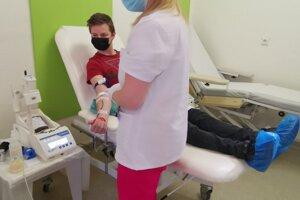 Jakub neváhal a prišiel darovať krv už po 8-krát.
