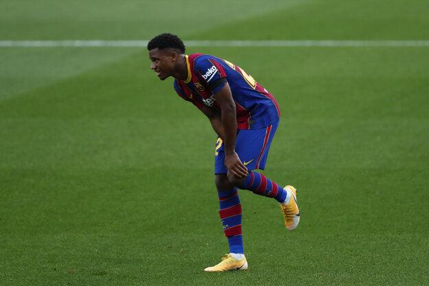 Ansu Fati z FC Barcelona sa zranil v dueli s Betisom Sevilla..