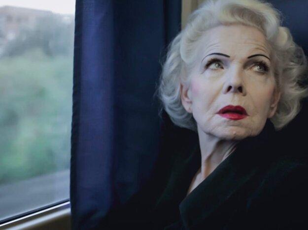 Poľka Jolanta vo filme Lekcia lásky.