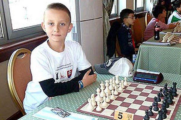 Mirko Krupa z NŠK Nitra reprezentoval Slovensko na ME mládeže. Vo svojej kategórii obsadil 8. miesto z 80 zúčastnených.