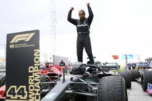 Sedemnásobný šampión F1 Lewis Hamilton.
