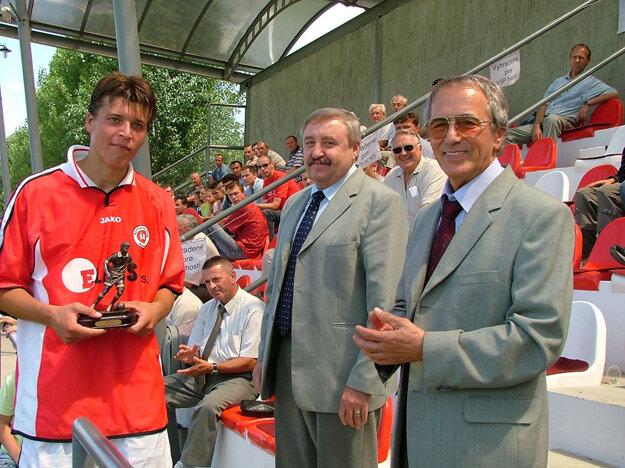 Dvadsaťročný Ľubomír Bernáth ako najlepší strelec Mitropa Cup-u 2005!