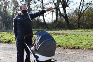 Košičan Tomáš Drankaľuk chodieva na Aničku kočíkovať synčeka.