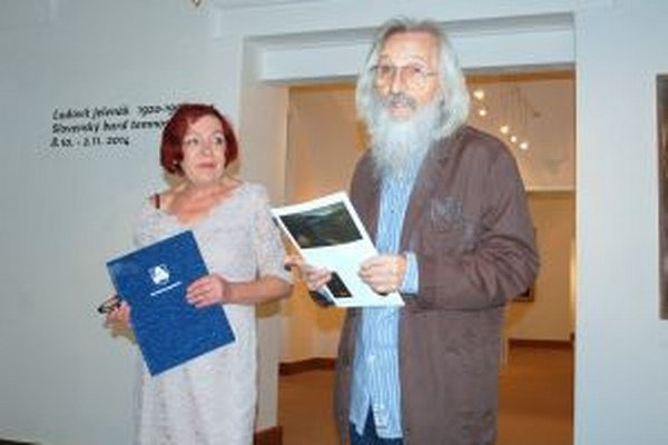 Na otvorení výstavy bol aj pedagóg a výtvarník Jozef Jelenák, brat Ľudovíta Jelenáka.