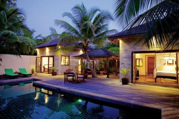Kuredu Island Resort & Sangu Water Villas 4*