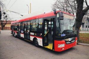 Nový 12-metrový trolejbus.
