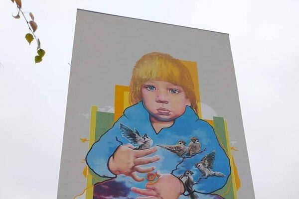 Maľba na stene paneláku na Golianovej ulici v Trnave.