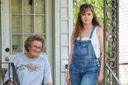 Glenn Close a Amy Adams v dráme Americká elégia (Hillbily Elegy).