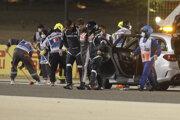Nehoda Romaina Grosjeana na Veľkej cene Bahrajnu.