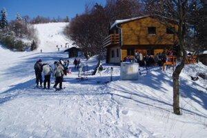 V minulosti sa na Lysej lyžovalo množstvo ľudí.