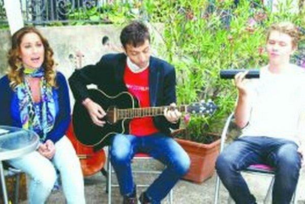 Zľava Brigita, Braňo Ondrík a Tony Marko.