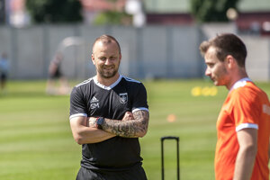 Asistent trénera Marek Sapara na tréningu MFK Ružomberok.