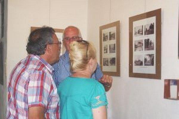 Výstavu fotografií a pohľadníc starej Nitry otvorili v Trafačke.