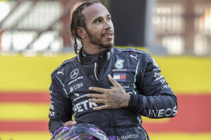 Britský pretekár F1 Lewis Hamilton.