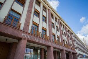 Nová budova ministerstva spravodlivosti na Račianskej ulici v Bratislave.