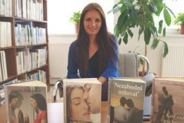 Všetky knihy Kristína Mišovičová písala, keď už mala deti - po večeroch a nociach.