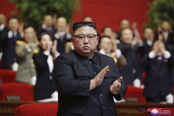 Kim Čong-un počas kongresu vládnucej strany KĽDR 10. januára v Pchjongjangu.