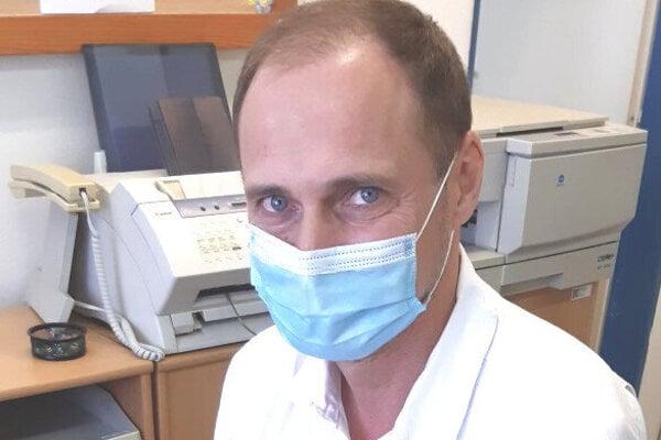 Lekár Peter Macho.