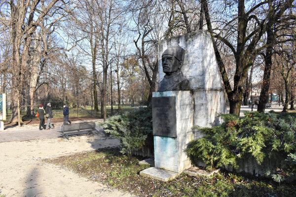 Pamätník venovaný generálovi Ivanovi Jefimovičovi Petrovovi.