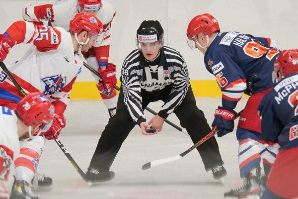 Liptovský Mikuláš v bielo-červenom vyšiel na svojom domácom ľade proti Zvolenu naprázdno.