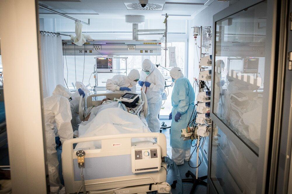 Denne v nemocnici v Galante zomrie v priemere šesť ľudí. Kým sa nezmenila na covidovu zomierali v priemere dvaja až traja ľudia za 24 hodín.