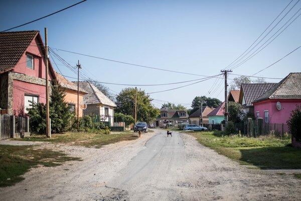 Ulica v obci Martinová.