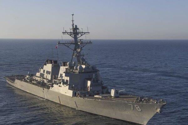 Americká vojnová loď USS Porter.