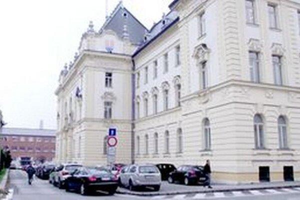 Sudca Štefan Hrvola pôsobí na nitrianskom krajskom súde.