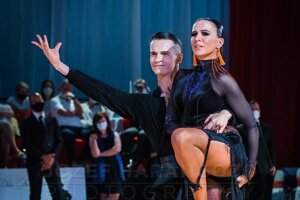 Na majstrovstvách Slovenska v tanečnom športe Elena s partnerom Matejom.