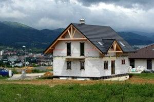 Ideálne je kúpiť pozemok, kde možno stavať
