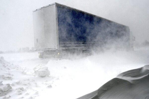 Východné Slovensko už tento týždeň vietor potrápil.