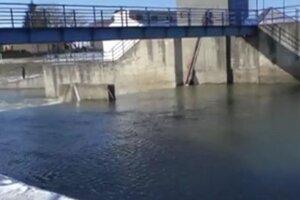 Mladý muž padol do rieky Nitra.