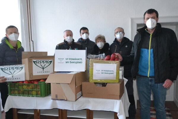 Novohradskí farmári sa rozhodli pomôcť ľuďom v núdzi.