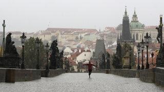 Čechom prudko dražejú hypotéky, Slováci také čísla roky nevideli