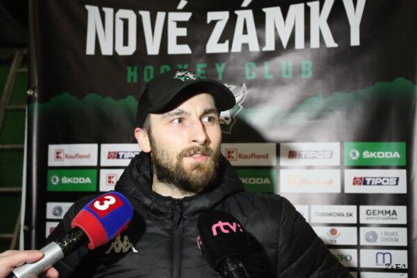 Opora Býkov Petr Obdržálek počas rozhovoru po zápase s Banskou Bystricou