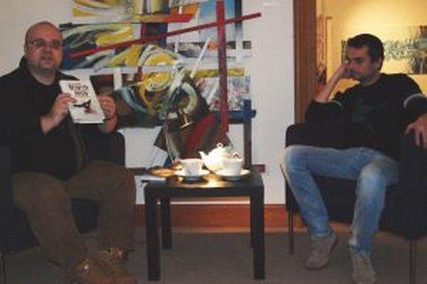 Besedu s Ondrejom Štefánikom (vpravo) moderoval Dado Nagy.