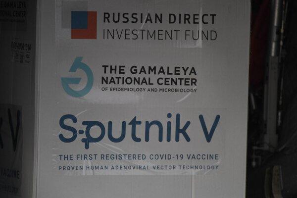 Na Slovensko v pondelok dorazila prvá zásielka ruských vakcín Sputnik V.