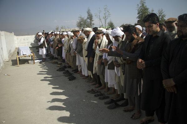 Pohreb zavraždenej novinárky v Kábule.