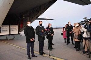 Sputnik dorazil v pondelok na košické letisko za prítomnosti premiéra a ministra zdravotníctva.